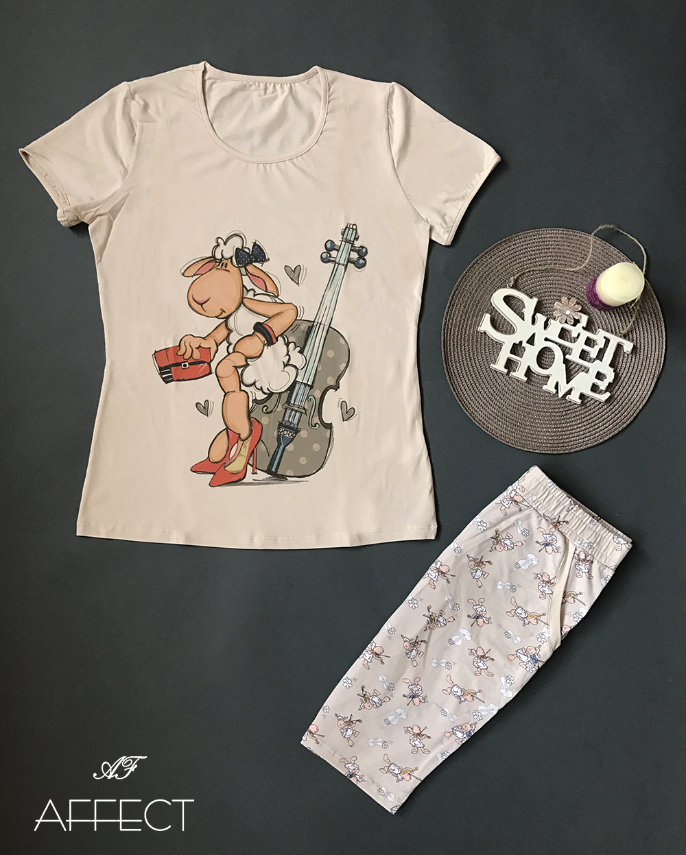 "Ladies pajamas with 3/4 shorts ""Sheep with violin"""